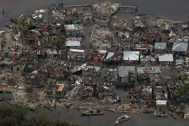 Hurricane Matthew weakens, but still risky