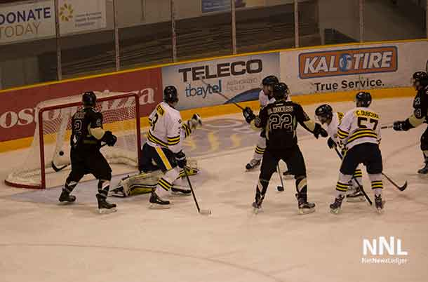 University of Manitoba Bisons take a 4-2 lead with this goal.