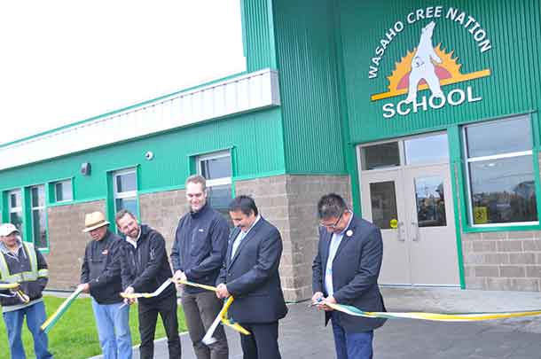 Dignitaries including Nishnawbe-Ashi Grand Chief Fiddler were on hand for the ribbon cutting
