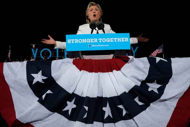 U.S. Democratic presidential nominee Hillary Clinton speaks at a campaign rally in Ft. Lauderdale, Florida, U.S. November 1, 2016. REUTERS/Brian Snyder