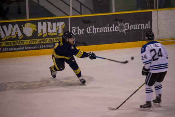 E J Faust scores TWolves Seventh Goal vs Ontario Tech Ridgebacks