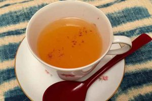 Smooth and thick, apple kuzdzu-yu makes your soul and stomach happy, warm and soothed; a delightful and different chilly weather drink. Credit: Copyright 2016 Hiroko Shimbo