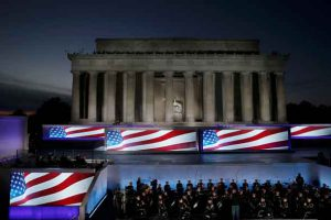 """The U.S. Army Band performs during the """"Make America Great Again! Welcome Celebration"""" at the Lincoln Memorial on the eve the inauguration of President-elect Donald Trump in Washington, U.S., January 19, 2017. REUTERS/Mike Segar"""