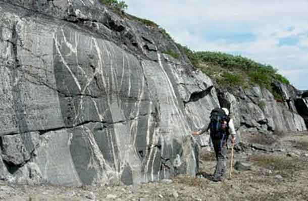 Photograph of the ancient crust such as these found along the eastern shores of the Hudson Bay. Photo by Rick Carlson.
