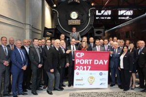 Attendees of CPís 2017 Port Day, held at the companyís head office in Calgary, work collaboratively with CP to grow Canadaís gateways of Montreal and Vancouver. (CNW Group/Canadian Pacific)
