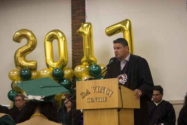 Ontario Regional Chief Isadore Day presents keynote address at Oshki Graduation