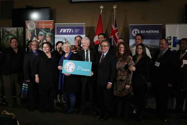 The nine members of the Aboriginal Institutes Consortium were joined by First Nation Leadership, students and the Minister of Advanced Education and Skills Development, the Hon. Deb Matthews, and the Minister of Indigenous Relations and Reconciliation, the Hon. David Zimmer for an announcement on the Indigenous Institutes Act, 2017. (CNW Group/Aboriginal Institutes Consortium)