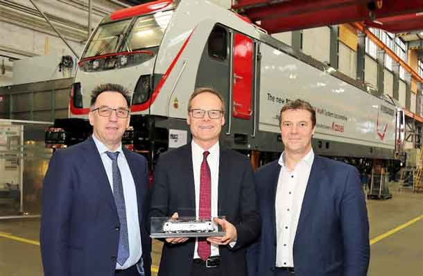 Albert Bastius, COO, and Mirko Pahl, CEO, both TX Logistik, with Michael Fohrer, President LOC & LRV, Bombardier Transportation, could already take a look at the first TRAXX MS3 locomotive in final assembly at our site in Kassel.