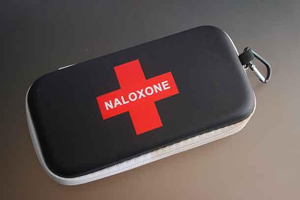 Naxoline