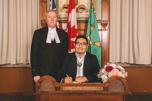Sol Mamakwa takes Oath of Office in Oji-Cree