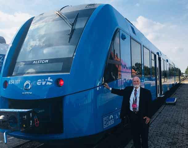 """Stan Thompson and Coradia iLint Alstom (in blue) at her debutant party in Bremervörde, Niedersachsen, Germany, on 16 September 2016.""  photo credit: Detlef Matthiessen, Green Party Delegation Leader-Emeritus, Schleswig-Holstein Parliament (Landtag)."