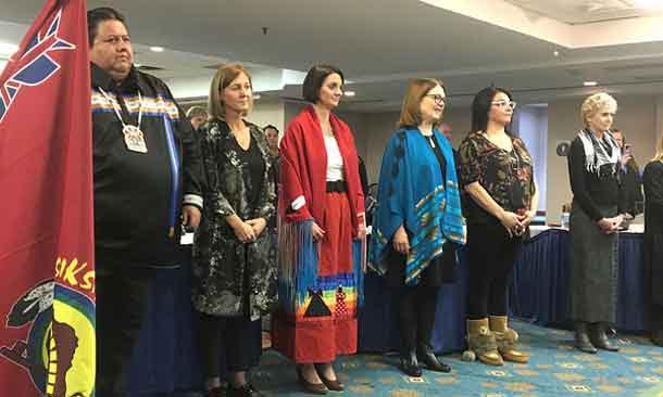 First Nations Health Consortium President Tyler White, Senator LaBoucane-Benson, Minister Larivee, Minister Jane Philpott and Bigstone Health Commission CEO Samantha Greyeyes-Noskiye.