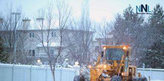 Grader clearing snow on street. Image: depositphotos.com
