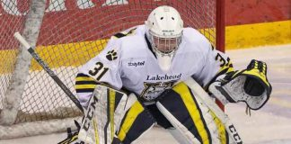 Lakehead TWolves Goaltender Nic Renyard backstopped the win. Photo by James Mirabelli.