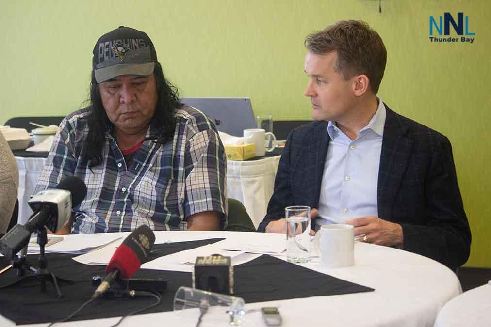 Minister O'Regan and Cat Lake Chief Keewaykapow