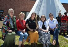 photo by Xavier Kataquapit Representing the Leaders Circle, the governing body of the Mino M'shki-ki Indigenous Health Team are from L-R: Marie Liliane Ethier and Chris Acton of the Temiskaming Metis Council, Nancy Wabie, Beaverhouse FN; Anne Batisse, Temiskaming Native Womens Support Group and Leaders Circle Chair and Sue Alton, Matachewan FN.