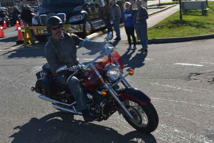 Starting at the Victoria Inn, the 'Roar for the Cure' signaled the start of the day with hundreds of motorcycles simultaneously starting their engines and then taking off for a parade throughout the city.