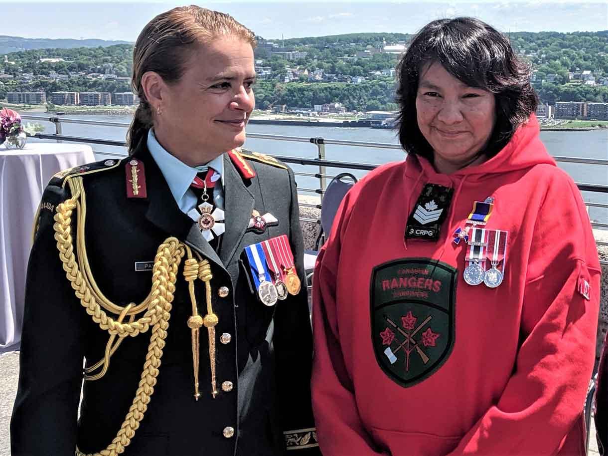Governor General Julie Payette talks with Master Corporal Linda Kamenawatamin. credit Major Charles Ohlke, Canadian Rangers