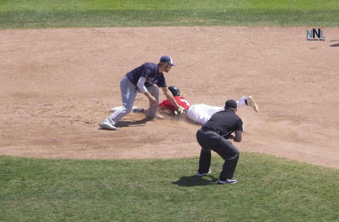 Border Cats #7 called out trying to steal second base.