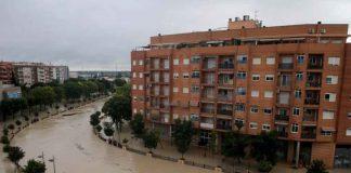 A view shows the overflowing Segura river as torrential rains hit Orihuela, near Murcia, Spain, September 13, 2019. REUTERS/Jon Nazca