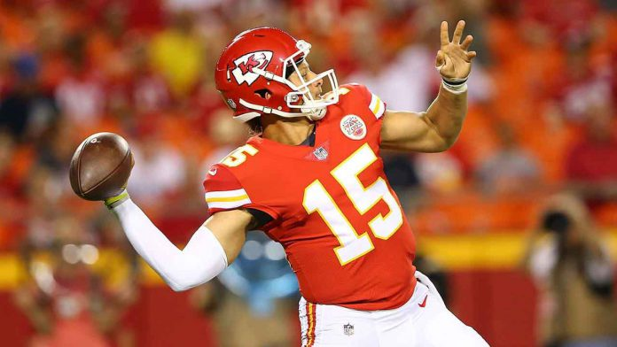 Patrick Mahomes: source, chiefs.com