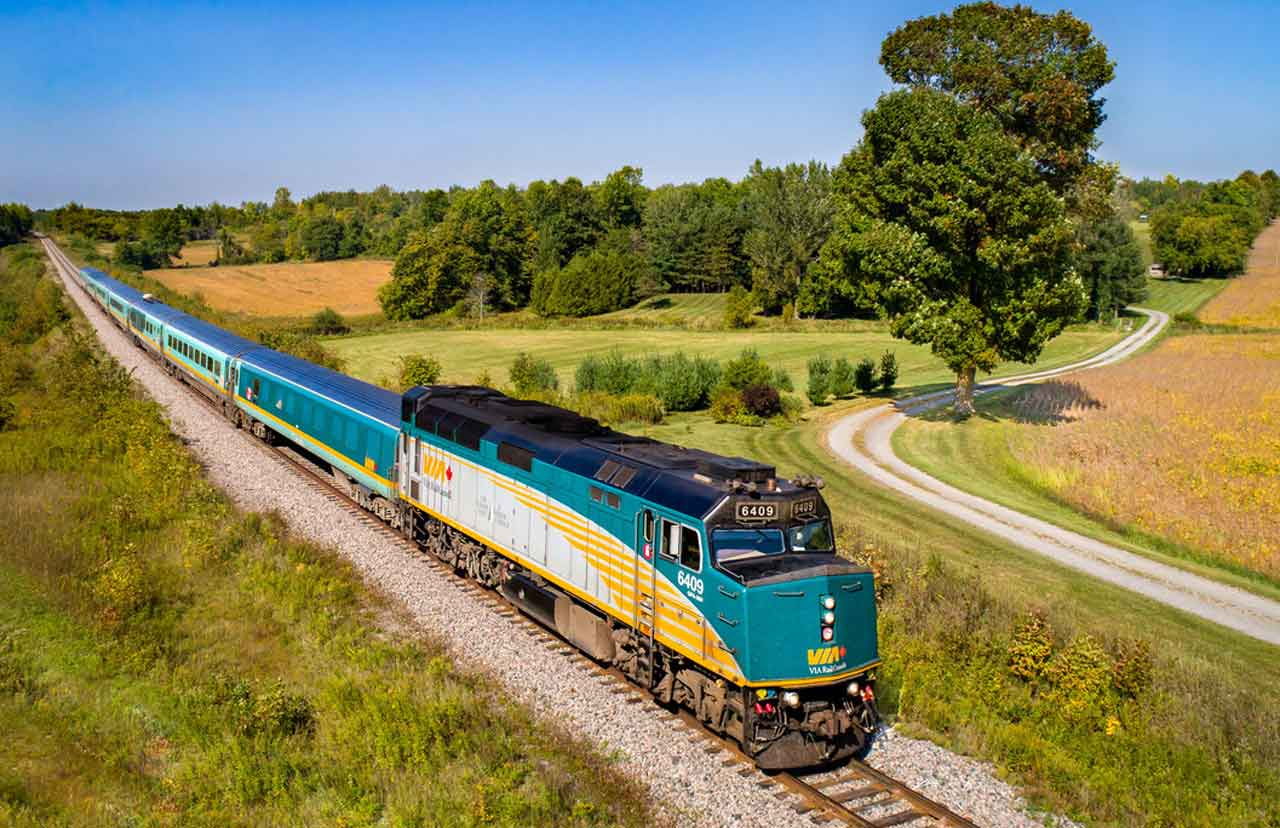 VIA Rail Train - Image Debate
