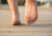 Contrary to what most of the people think it is pretty easy to have healthy feet with simple steps
