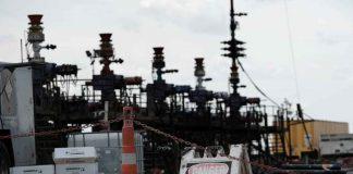 Chevron fracking site near Midland, Texas, U.S. August 22, 2019. Picture taken August 22, 2019. REUTERS/Jessica Lutz