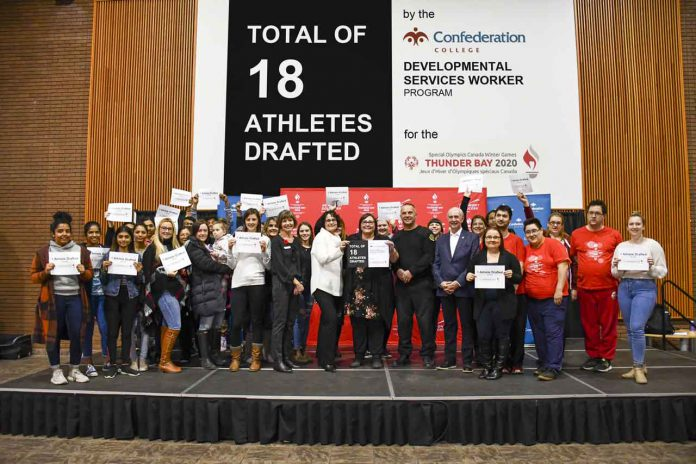 To commemorate Confederation College's new partnership with the Special Olympics Canada Winter Games, the Developmental Services Worker program donated $9,000 to draft 18 athletes. The College will support the Games in multiple ways, from continued fundraising activities and volunteerism to in-kind support from select programs.