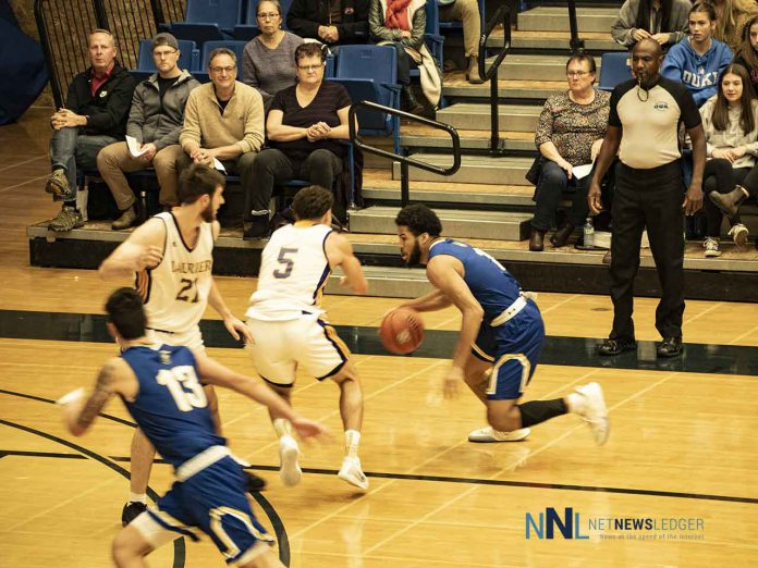 The Lakehead Thunderwolves men's basketball team extended their winning streak to four games with a 99-79 win over the Laurier Golden Hawks Saturday night.