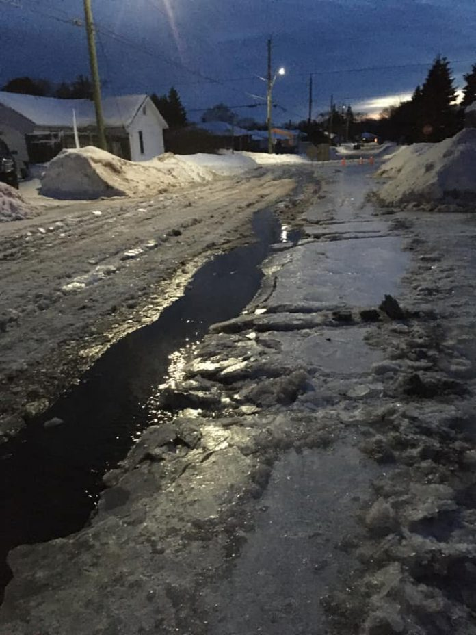 Water Main Break on Otto Street - January 21 2020 - Photo NetNewsLedger Newshawk