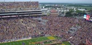 """2009 LSU Tiger Football Team"" (CC BY 2.0) by Shoshanah"