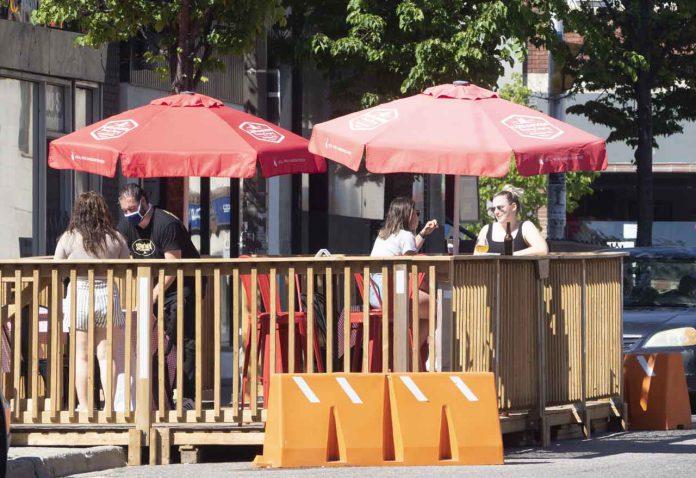 Outdoor Patio Cumberland Street Thunder Bay