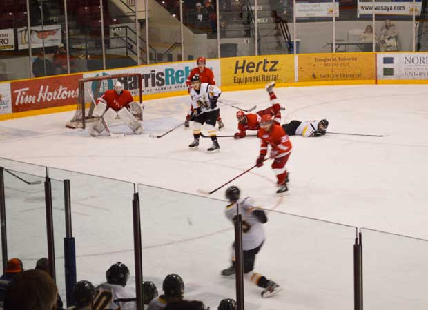 Thunder Bay North Stars shoot on Duluth Clydesdale goalie in SIJHL Action