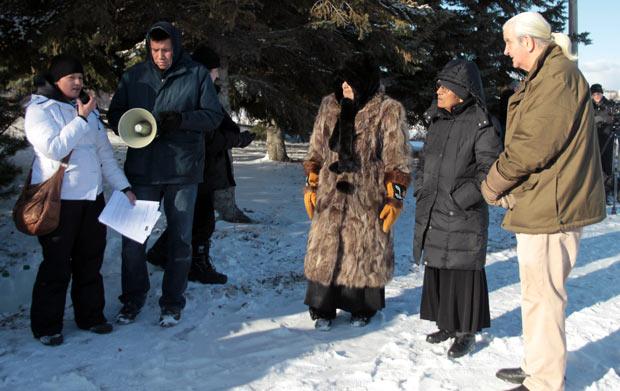 Idle No More Water Ceremony - Joyce Hunter introduces Frieda McDonald, Elder Mercier, Senator McKay on a chilly winter day in Thunder Bay