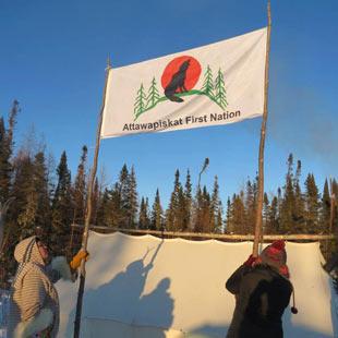 Attawapiskat Banner up on De Beers Road Blockade