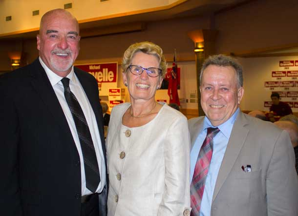 Mayor Hobbs, with Premier Wynne and Minister Gravelle