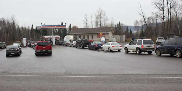 Fuelling up at THP Variety and Gas Bar on FWFN after the fire - Line-ups were normal.