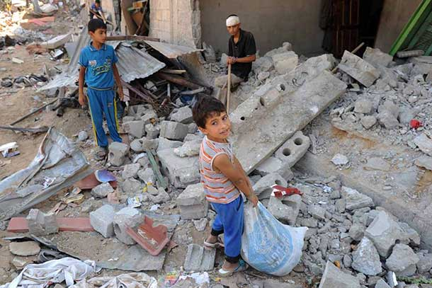 UNRWA expects and is preparing for some 65,000 to 70,000 Palestinians to stay in its Gaza schools as they have no homes and nowhere to return to. Photo: UNRWA Archives/Shareef Sarhan