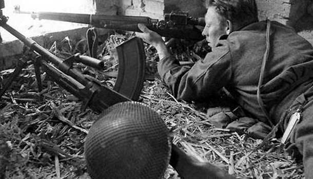 Canadian sniper in Ortona