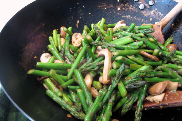 Stir-fried Asparagus and Mushrooms with Toasted Sesame Seeds. Credit: Copyright 2016 Sue Style