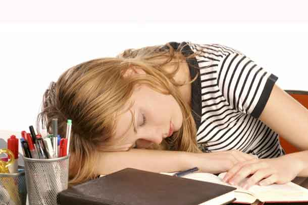 New study of adolescents suggests that obtaining an insufficient amount of sleep increases variability in sadness, anger, energy and feelings of sleepiness.