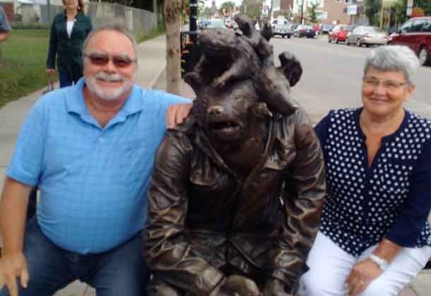 Councillors Angus and Johnson with Algoma Street artwork