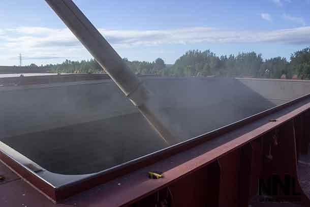 Grain loading in Thunder Bay - the Algoma Equinox