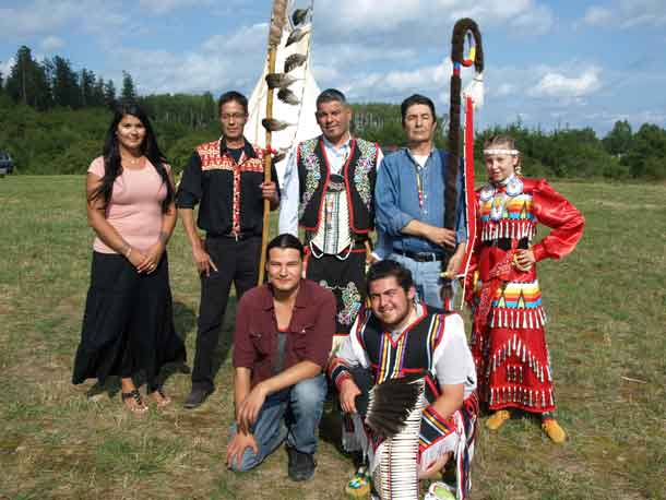 photo by Xavier Kataquapit The Seventh Annual Mattagami FN Pow Wow was held on August 19 and 20. From L-R are: Dana McKenzie, Pow Wow Coordinator; Mattagami FN Chief Chad Boissoneau, Regional Chief Isadore Day, Chiefs Of Ontario; former Chief Walter Naveau, Mattagami FN and Mattagami FN Youth Dancer Tessa Thomas. In front are Mattagami FN member Nathan Naveau, Thunder Creek Drum Group and Max Worme, Lead Youth Male Dancer.