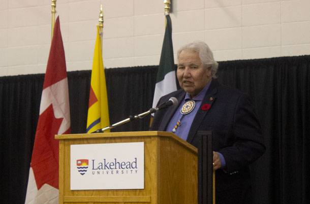 Senator Murray Sinclair speaking at the Bora Laskin Faculty of Law in Thunder Bay
