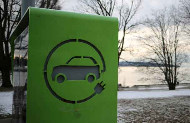 An electric car charging station is seen in Vancouver, British Columbia, Canada January 7, 2017. REUTERS/Chris Helgren