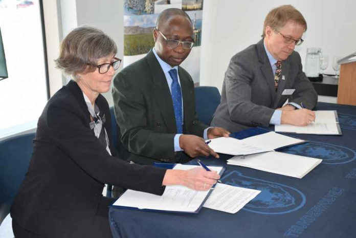 Lakehead University, Confederation College and the Canadian Forest Service will continue to advance forestry research, collaboration and education throughout Canada.