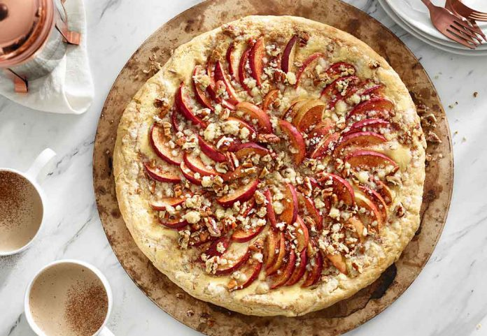 Apple Cheesecake Pizza from Foodland Ontario