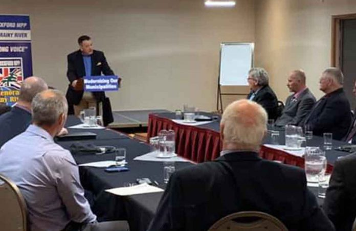Minister Rickford Announces Funding at event in Kenora